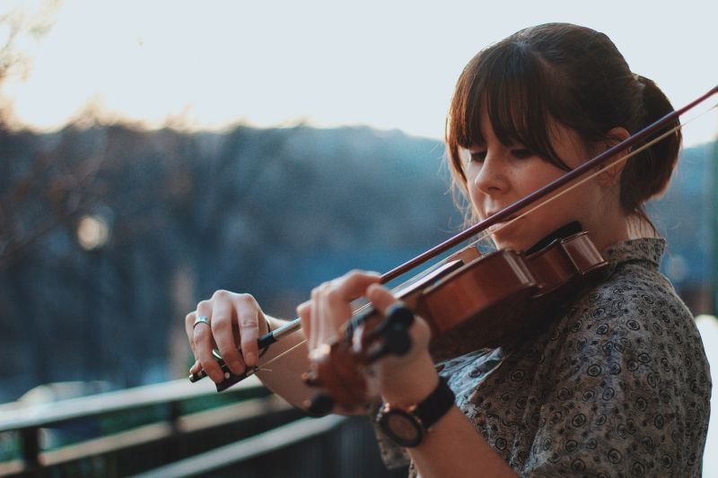 Studiul individual al muzicii: canto si instrumente