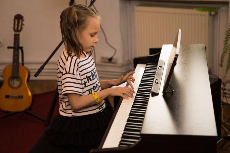 Importanta muzicii. Ce efecte are muzica in viata noastra